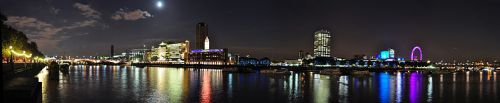 London night wiki 799px-Thames_Night_Pan